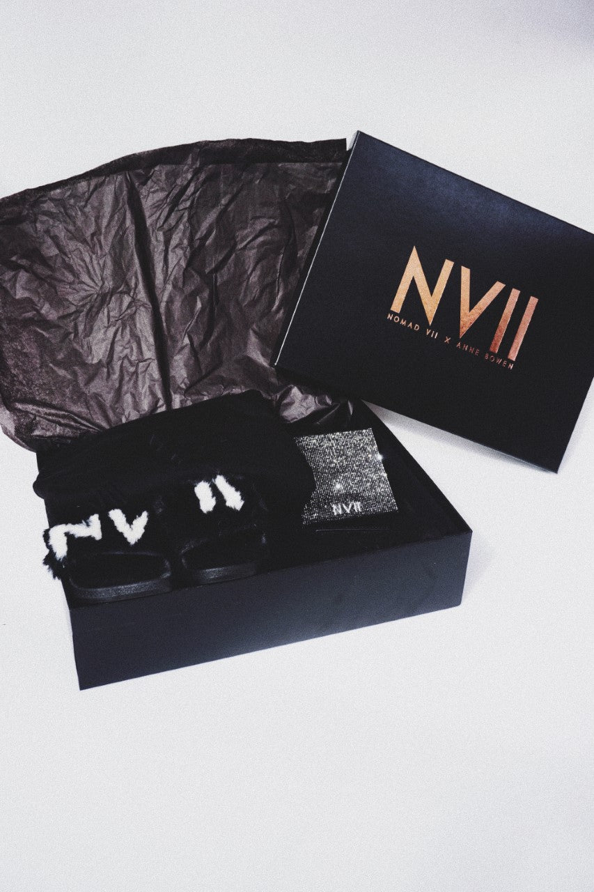 NOMAD VII TRAVEL SET BOX - NOMAD VII X ANNE BOWEN