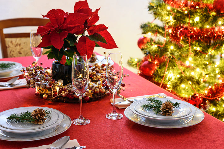 christmas-table-poinsettia