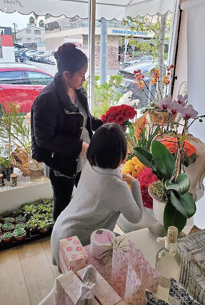Working insides orchid republic shop