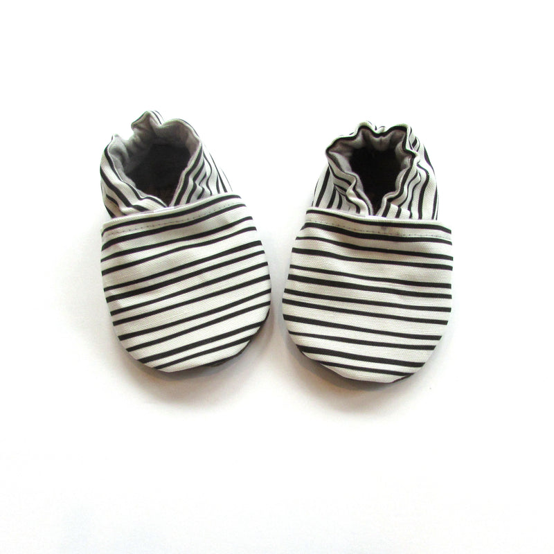 Black and White Stripe Cabooties Baby Shoes and Universal Pacifier Clip Gift Set