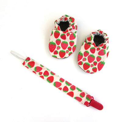 Strawberry Cabooties and Universal Clip Gift Set