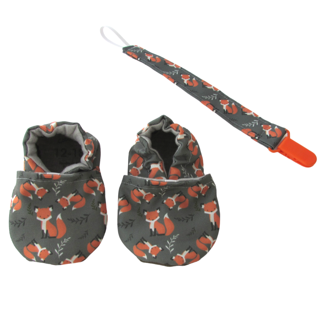 Foxes Cabooties and Universal Clip Gift Set