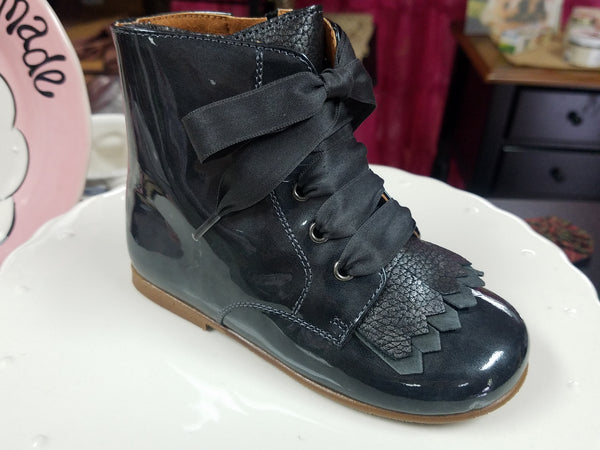 GREY PATENT BOOT BY CLARYS #181557