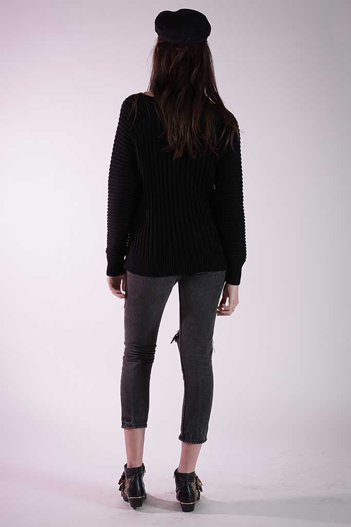 EVERYDAY SWEATER - BLACK