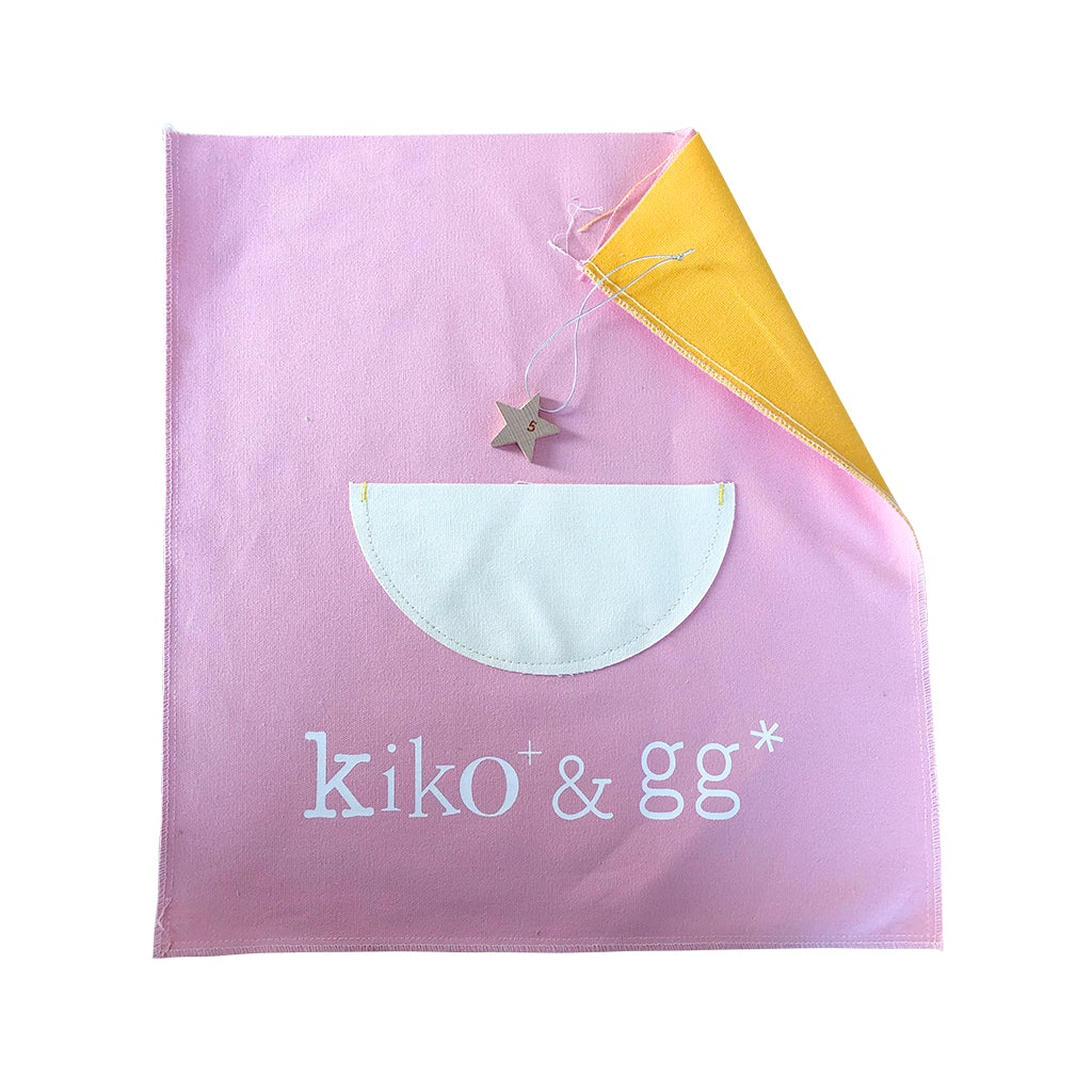 Gift wrapping (pink & yellow)
