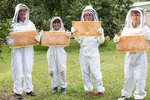 Kids with honeycomb