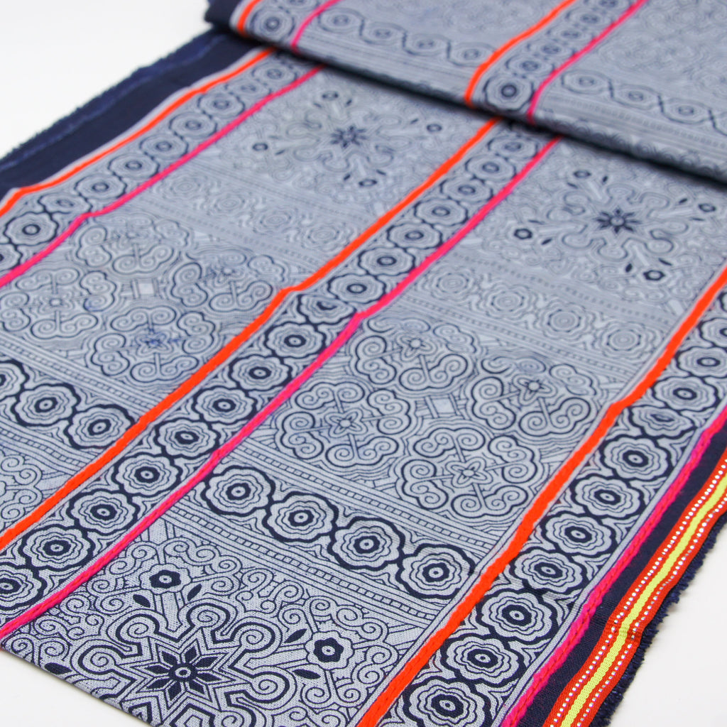 "Hmong Hand Printed Roll - 30 cm / 14"" Wide with Ribbon Border"