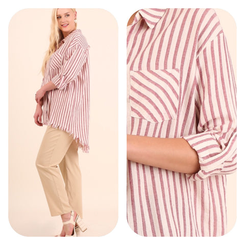 Hi/low Red and White 3/4 sleeve button up tunic