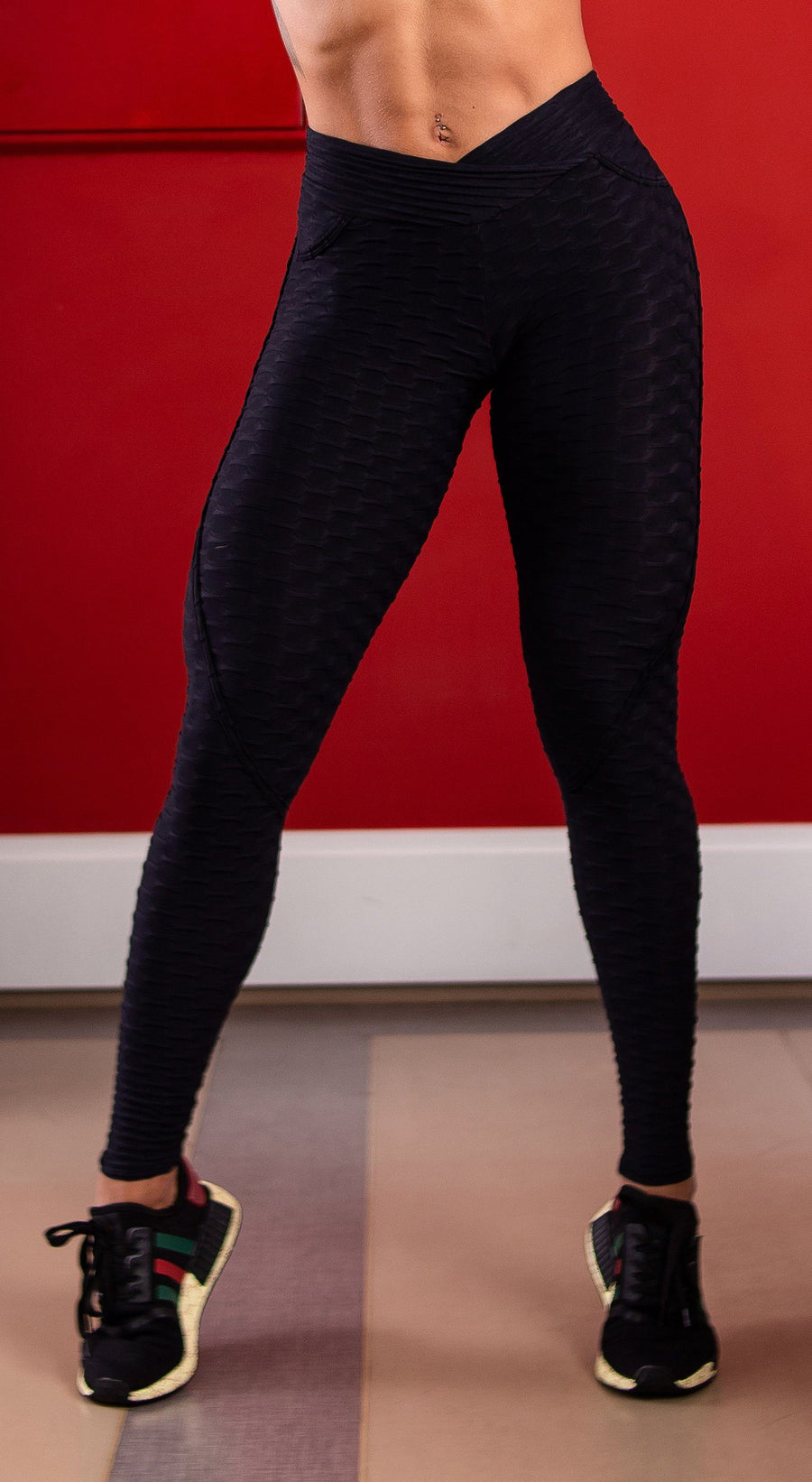 Anti Cellulite Textured Heart Booty Effect Black Leggings