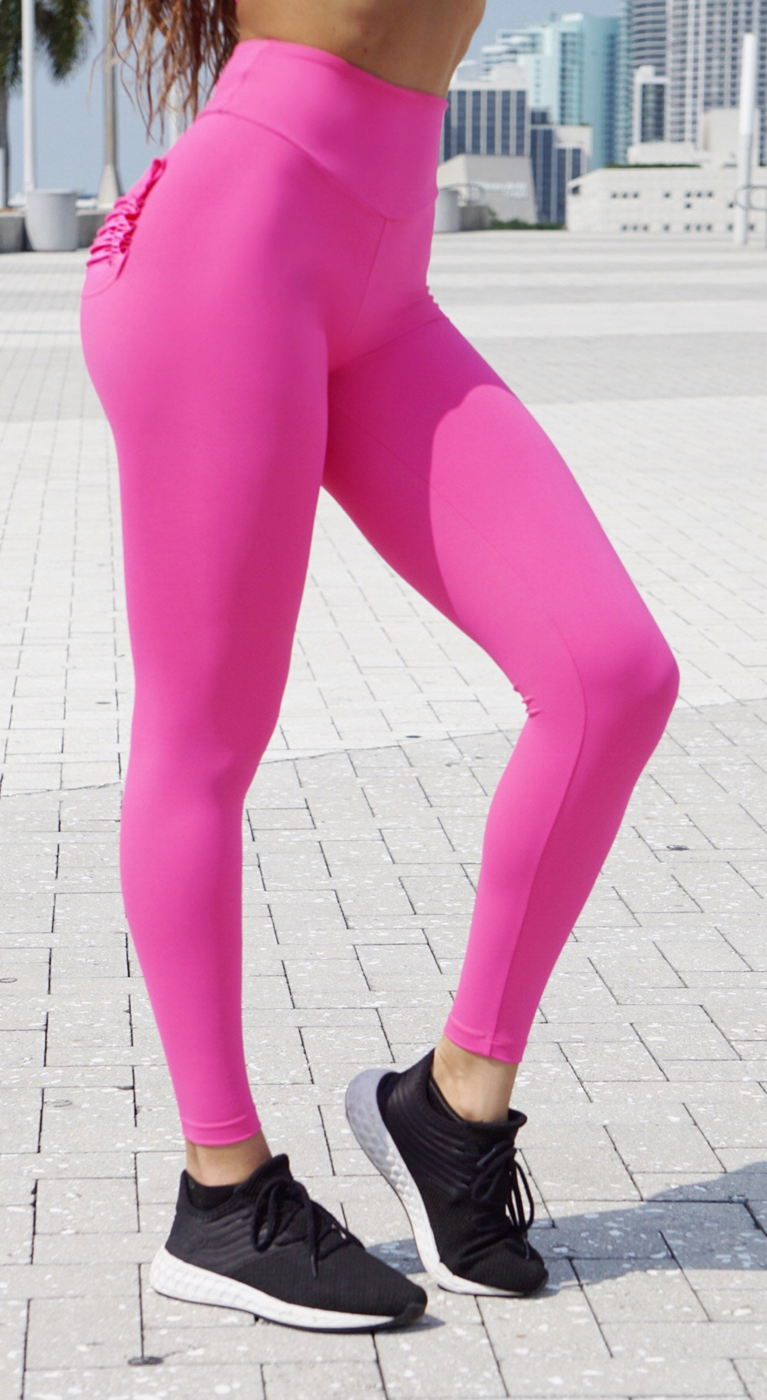 Brazilian Workout Legging - Scrunch Booty Pocket Pink