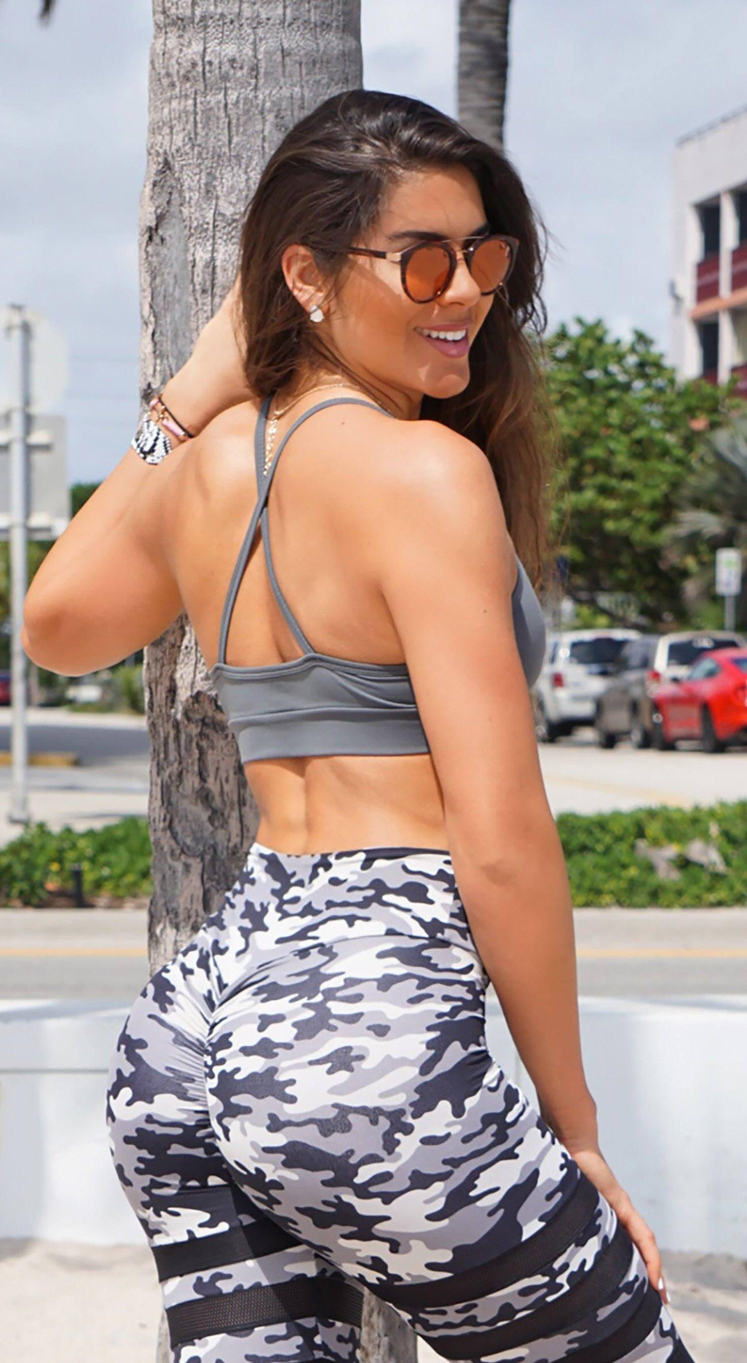 Sports Bra - Glamorous Stripes Grey
