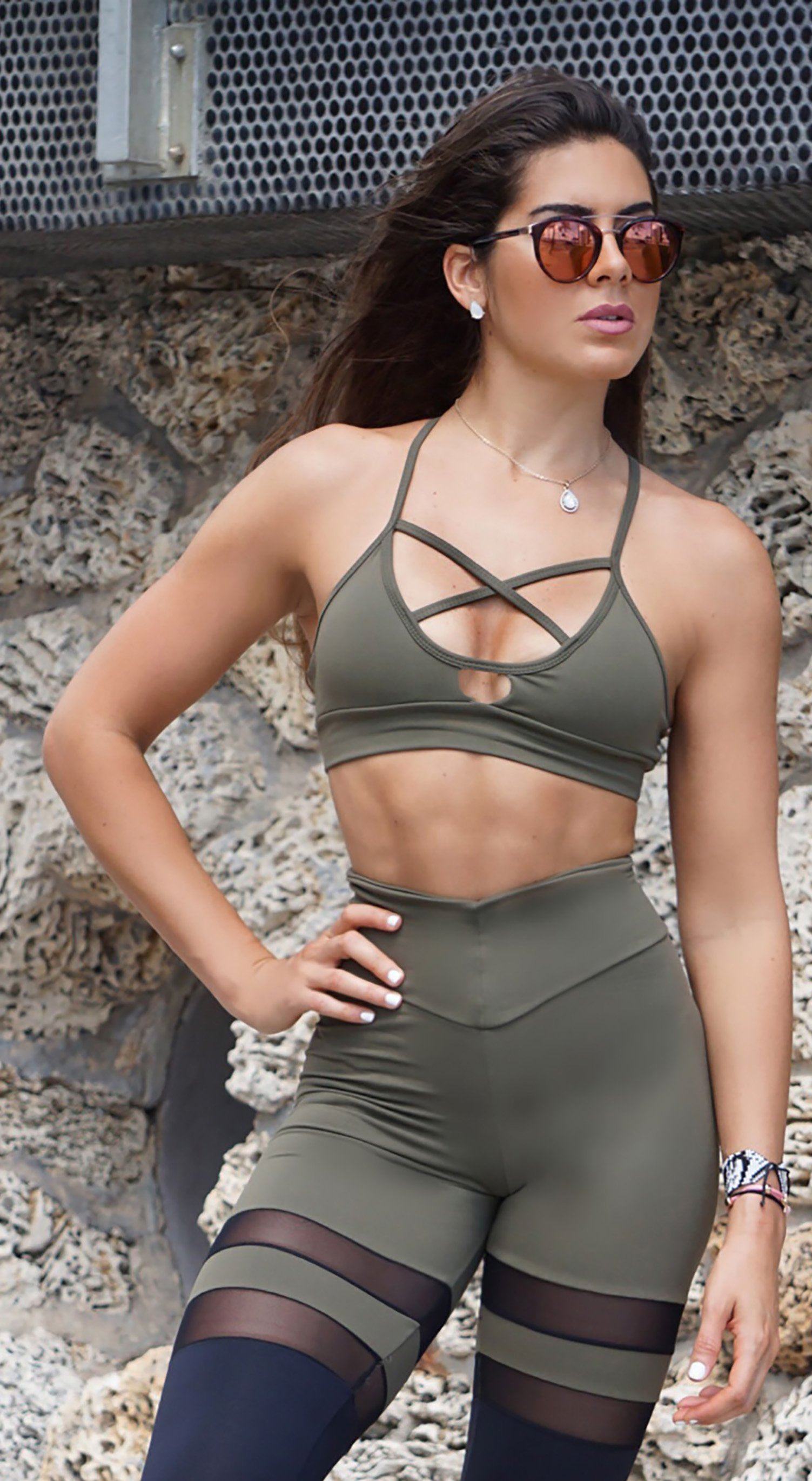 Sports Bra - Glamorous Stripes Army Green