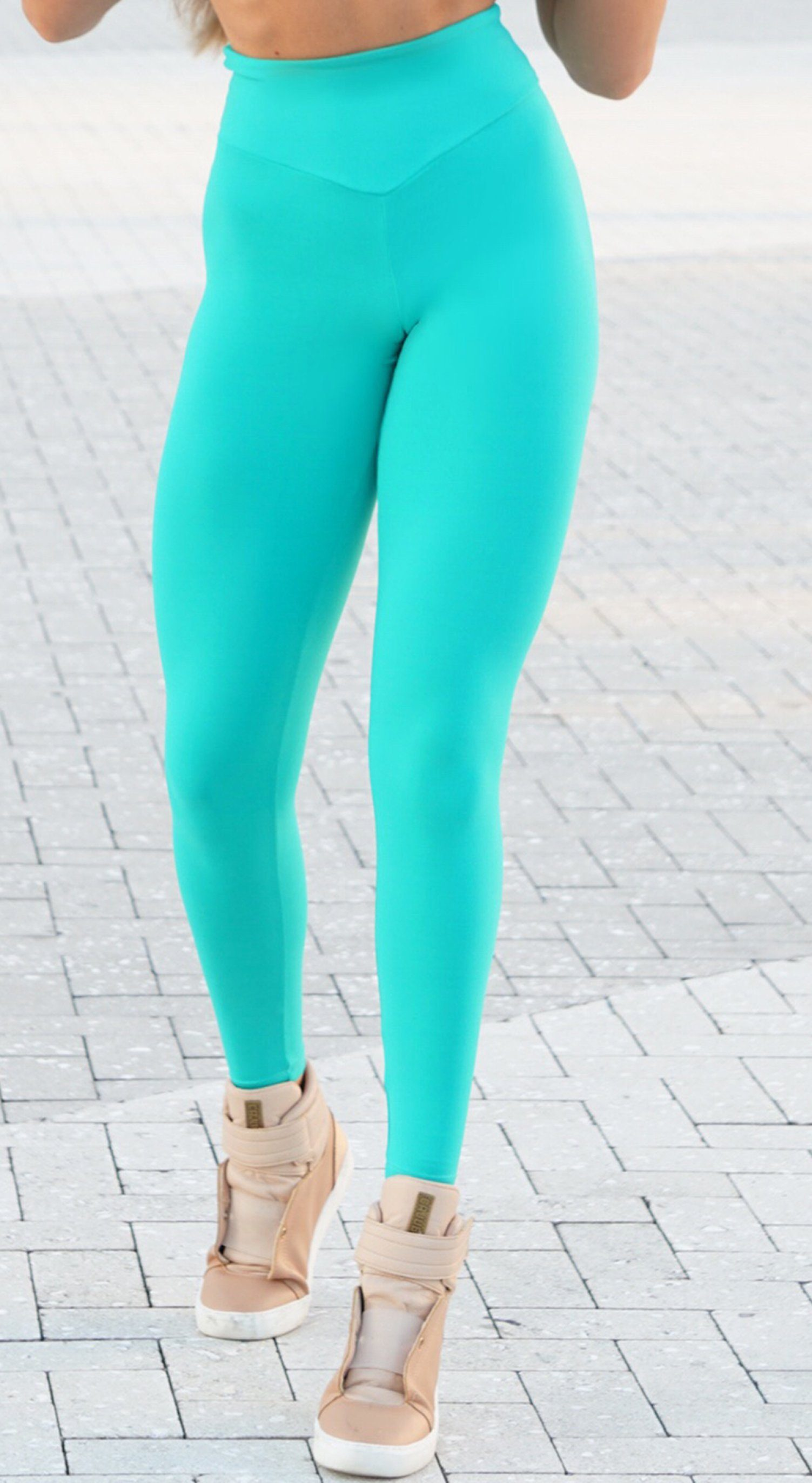 Brazilian Workout Legging - Scrunch Booty Pocket Aquamarine