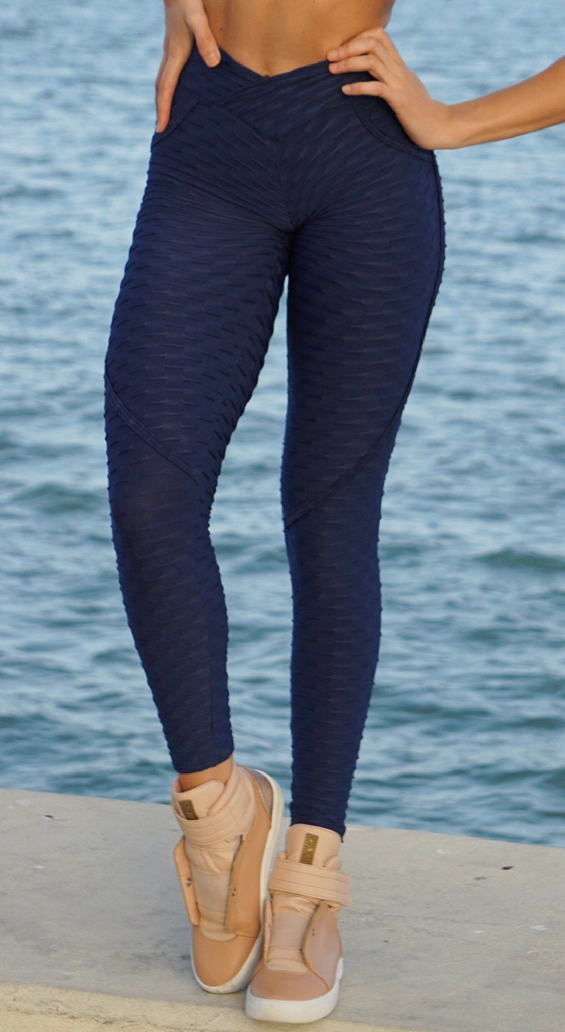 Brazilian Legging -  Anti Cellulite Textured Heart Booty Effect Navy