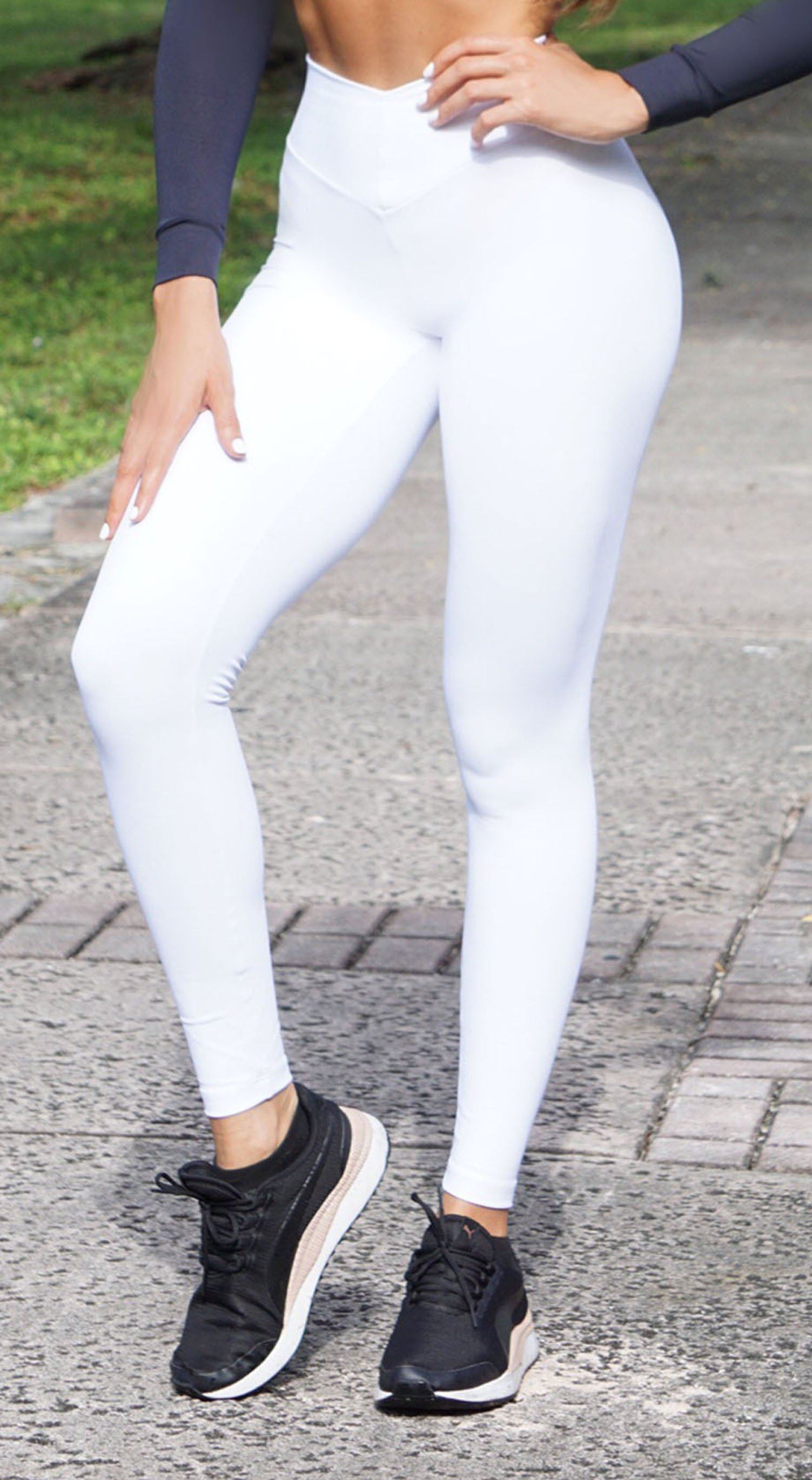 Brazilian Workout Legging - Scrunch Booty Lift! Compression White