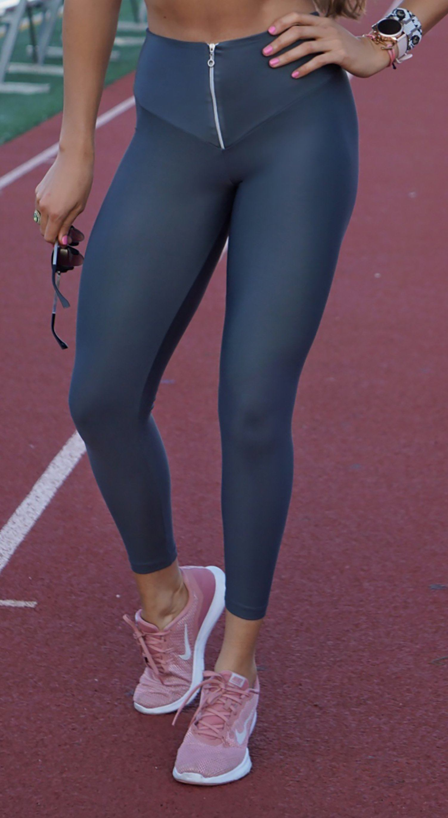 Brazilian Workout Legging - High Waist Scrunch Booty Latex Look Grey