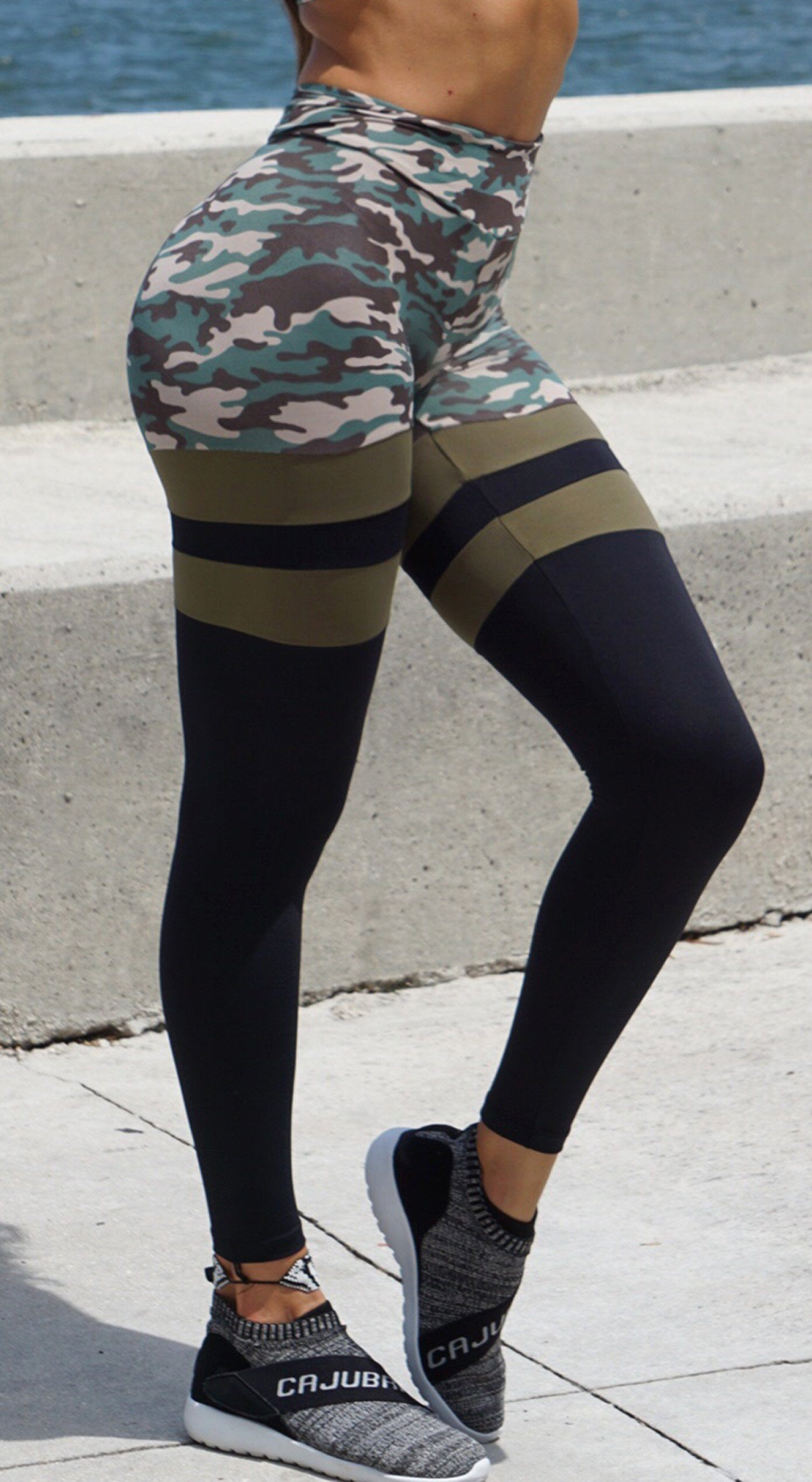 Brazilian Workout Legging - Scrunch Booty Socks Leggings Army Print & Green