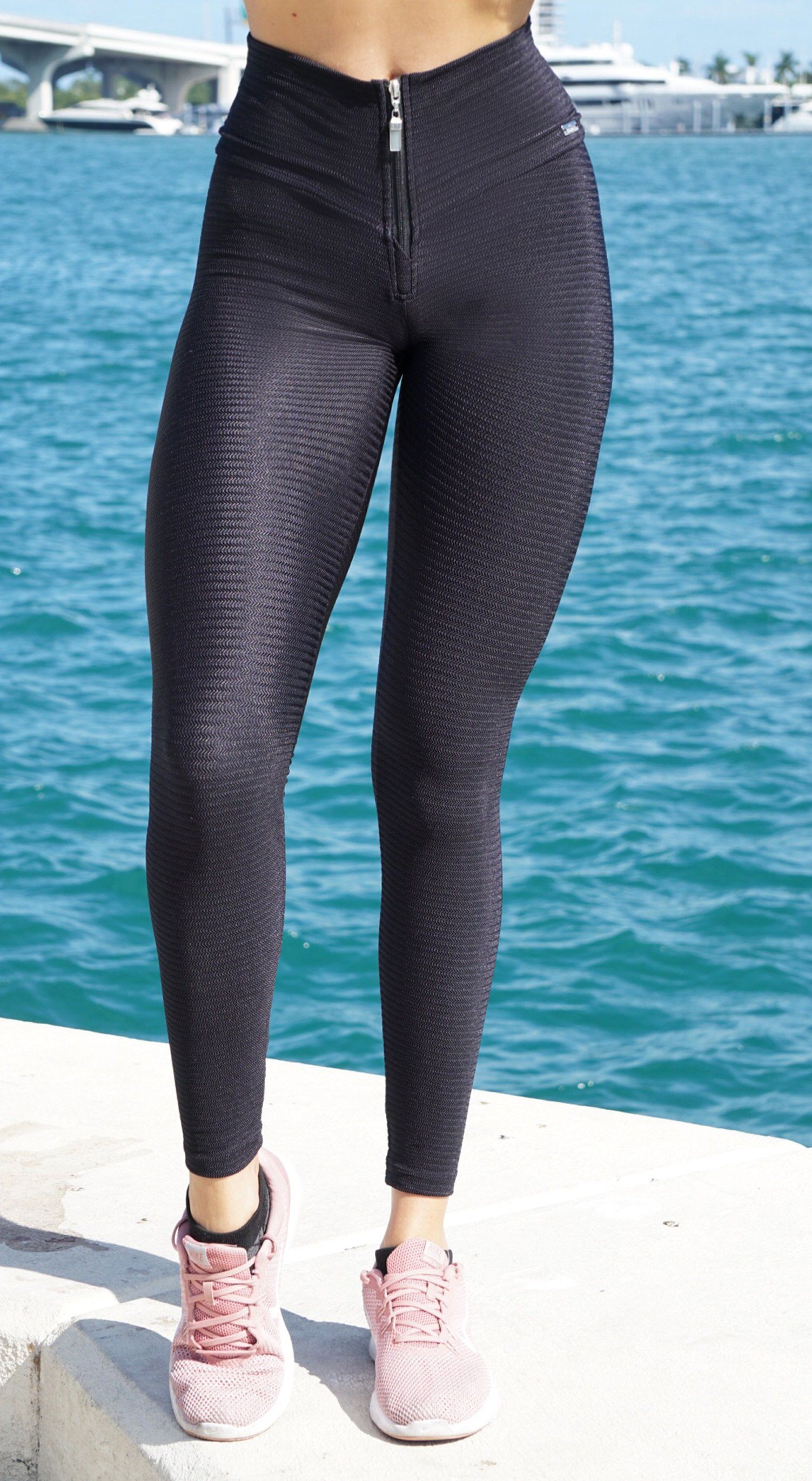 Brazilian Workout Legging - High Waist Delirium Zipper Textured Black