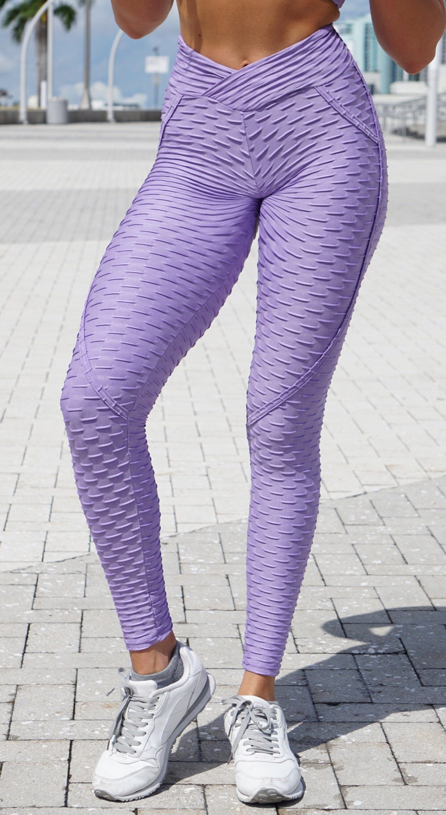 Anti Cellulite Textured Heart Booty Effect Plum Leggings