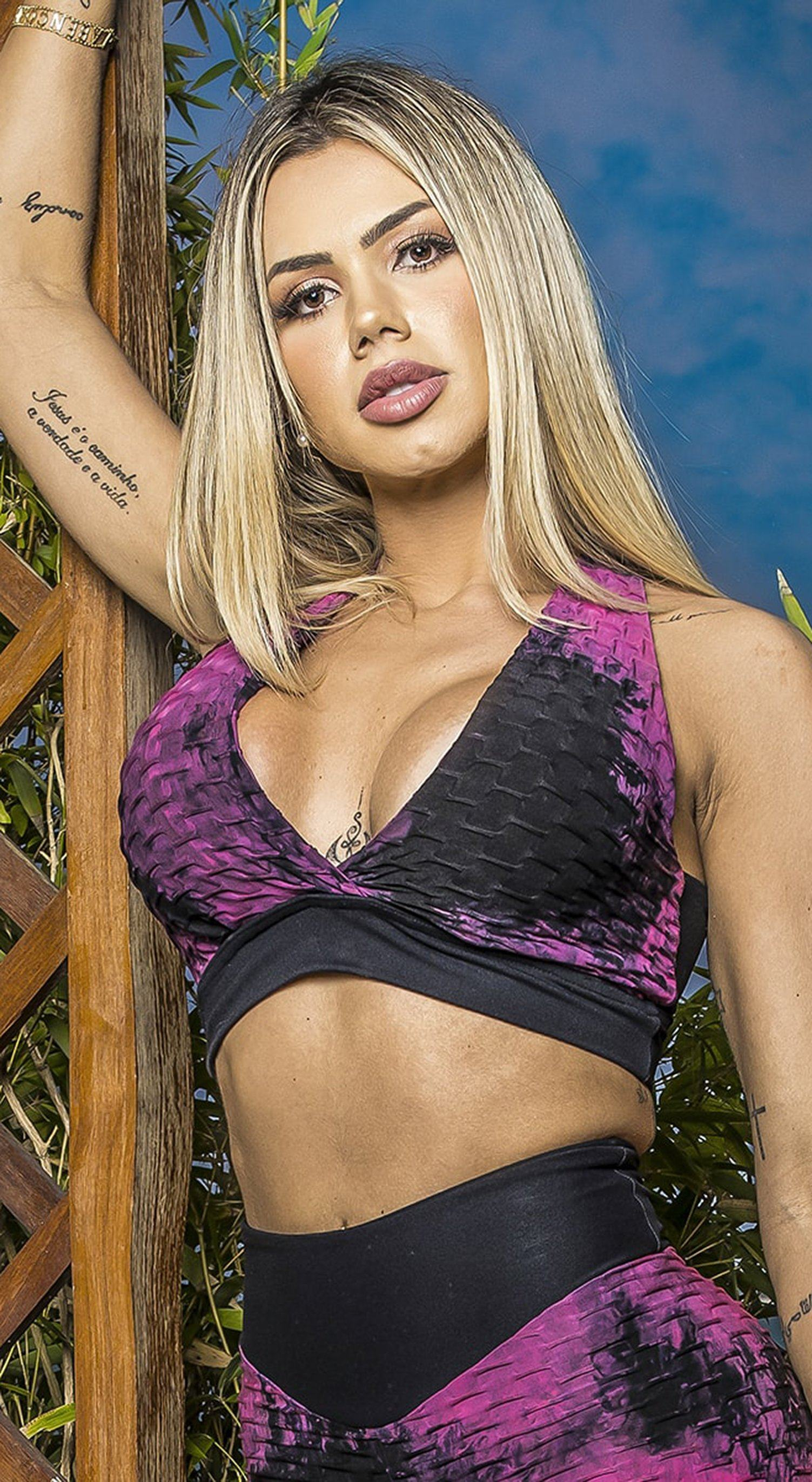 Brazilian Sports Bra - Textured Tie Dye Pink & Black