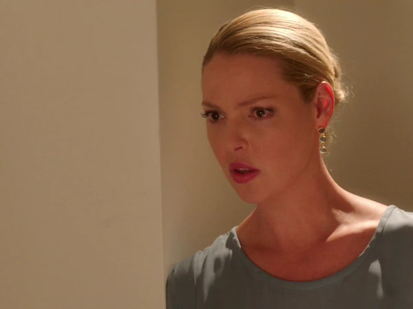 Katherine Heigl wearing Manjusha Jewels earrings in a design similar to the Rainbow Gold Wrap Earrings on the TV series, State of Affairs.