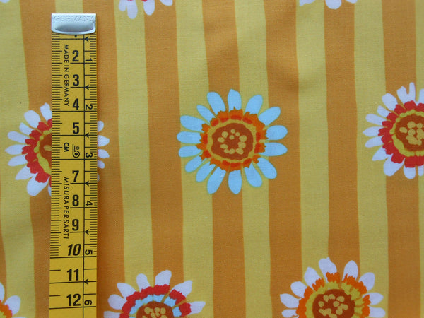 Regency Daisy - Yellow / 111009