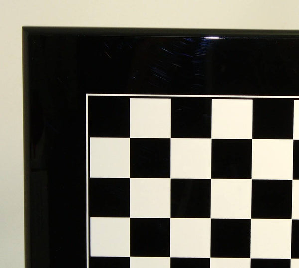 Black and White Lacquered Wood Chessboard - Seasonal Expressions