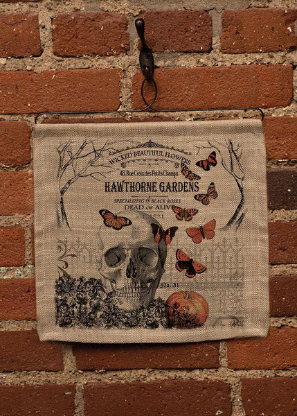 Hawthorne Gardens-Halloween-Wall Hanging-Seasonal Decor