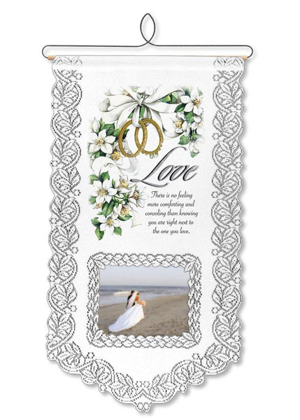 Love Wallhanging from Heritage Lace - Seasonal Expressions
