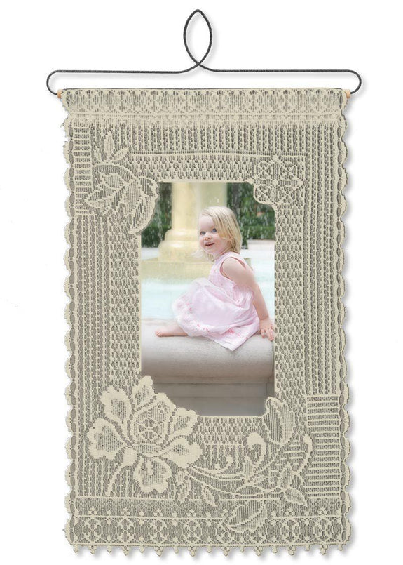 Wall Hanging-Charmer-Heritage Lace-Friends and Family
