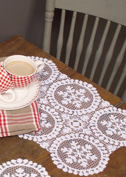 Table Linen-Placemats-set of 4-Seasonal-Winter-Heritage Lace-Yuletide