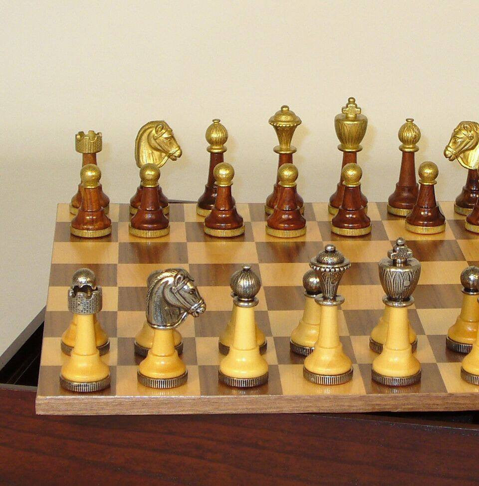 Staunton Metal and Natural Wood Men with Walnut-Maple Veneer Chest Chess Set - Seasonal Expressions - 2