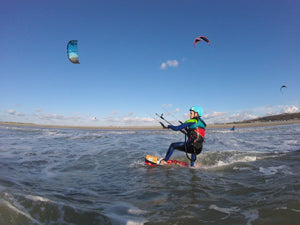 Jasmine Wallis - Kitesurfing in China