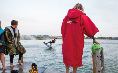 Wake surf dryrobe