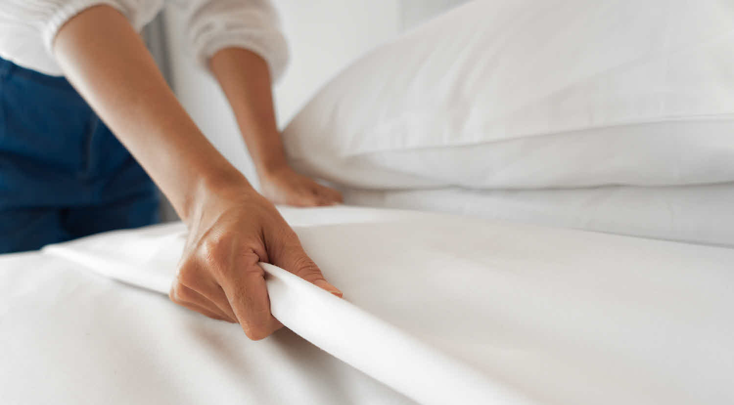 White Sheets and Bed Linens