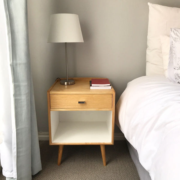 Robot Bedside table