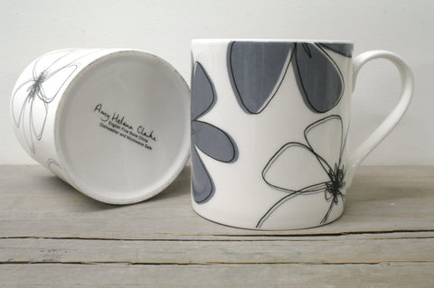 Contemporary English Fine Bone China Daisy Floral Mug with Black Overlay