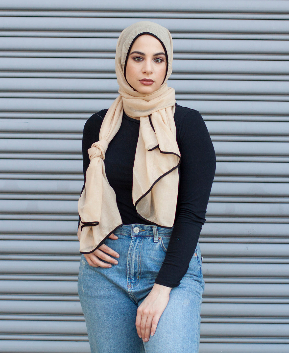 Viscose Hijab with black satin trim - Straw