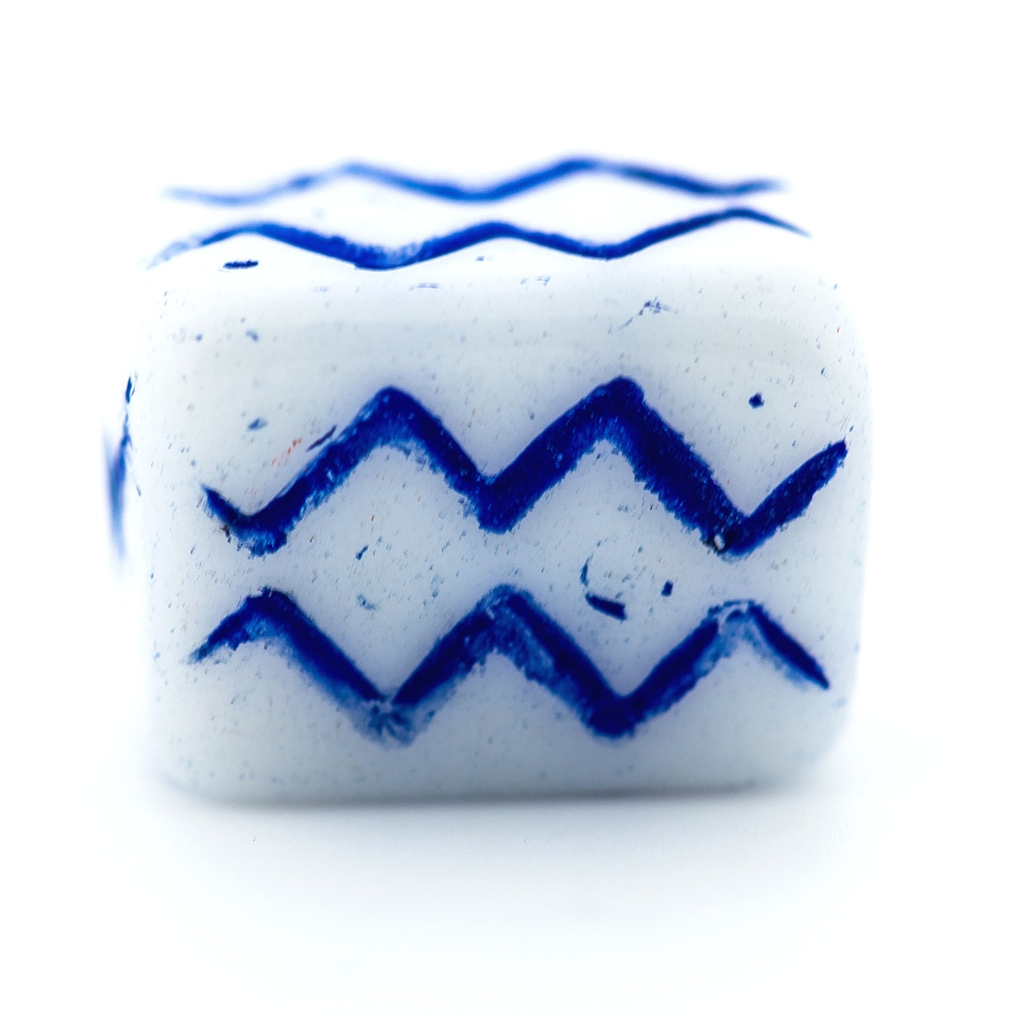 White w/Navy Blue Zigzag Glass Bead (72 pieces)