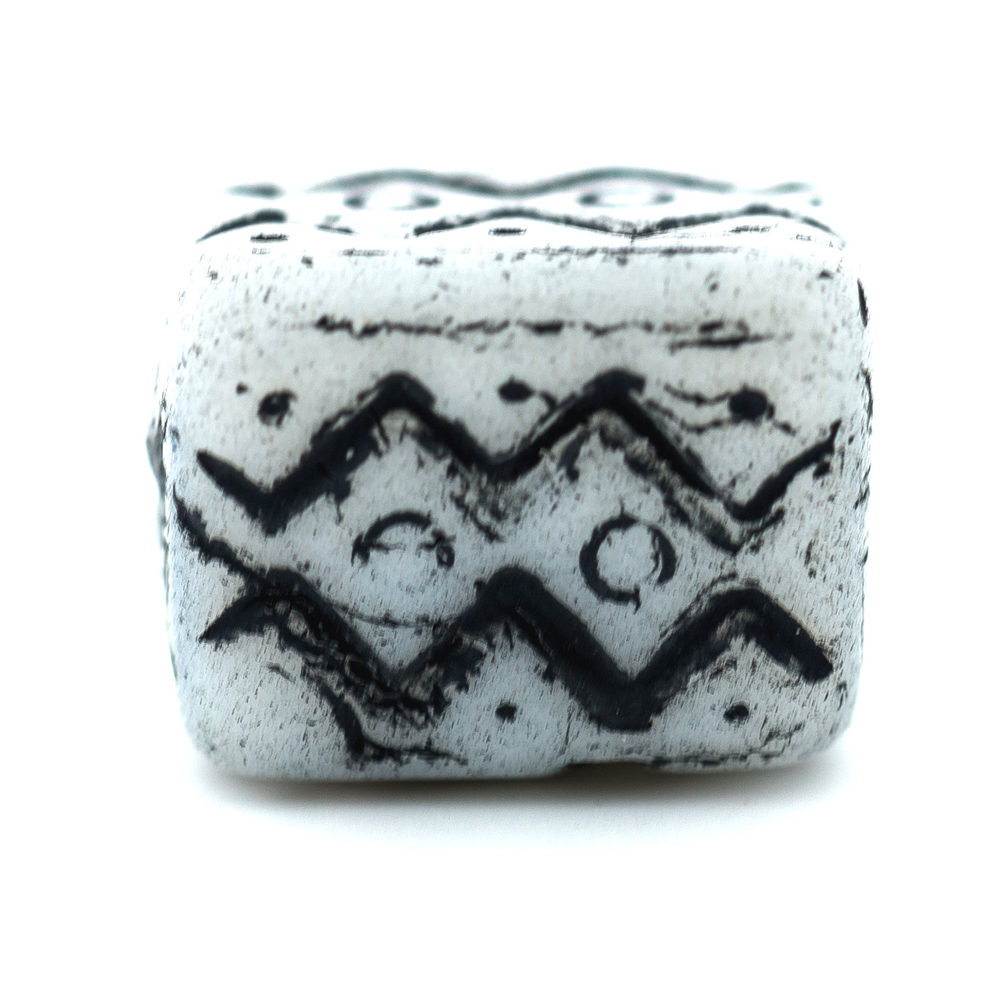 White w/Blk.Zigzags Glass Bead (72 pieces)