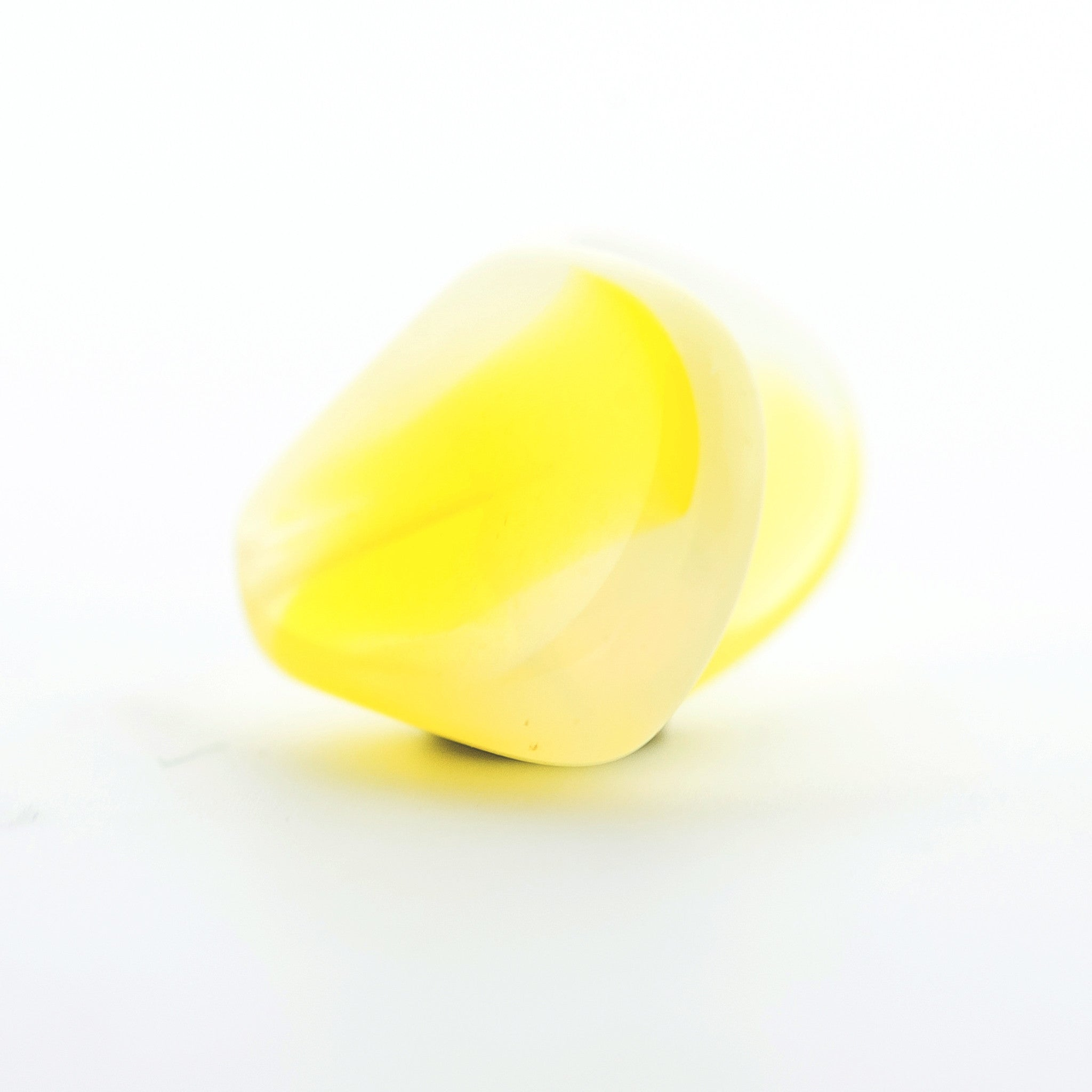 19MM Yellow/Wht.Opal Interlock Bead (24 pieces)