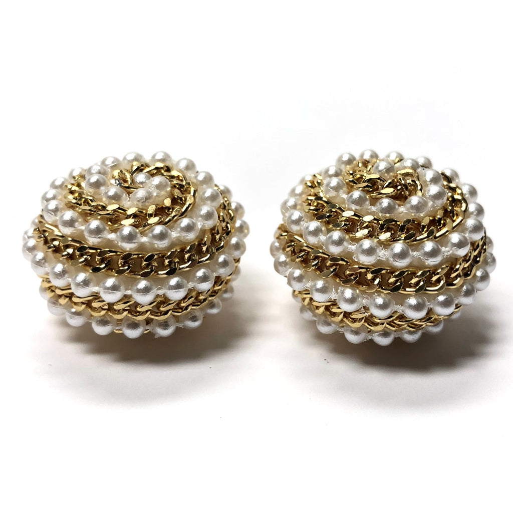24MM Pearl With Gold Chain Cab (2 pieces)