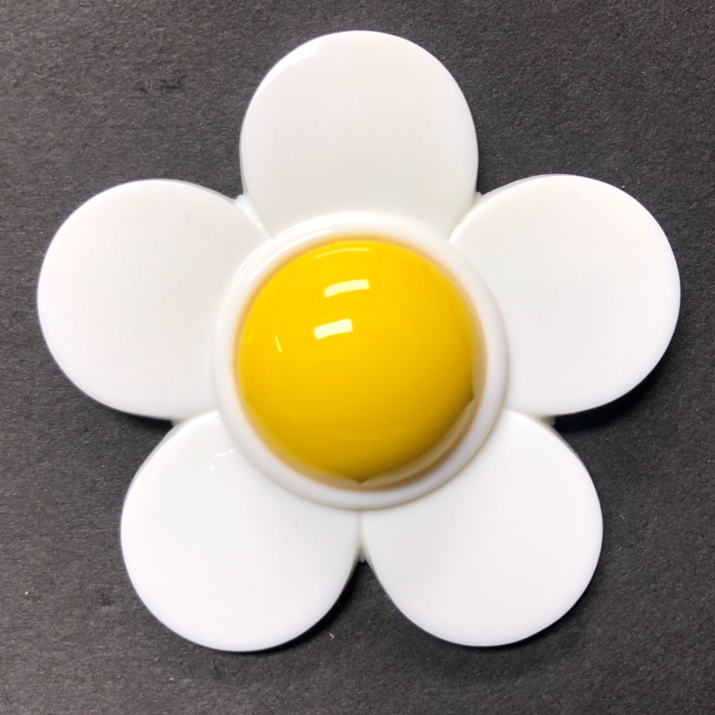 53MM White-Yellow Daisy Acrylic Cab (12 pieces)