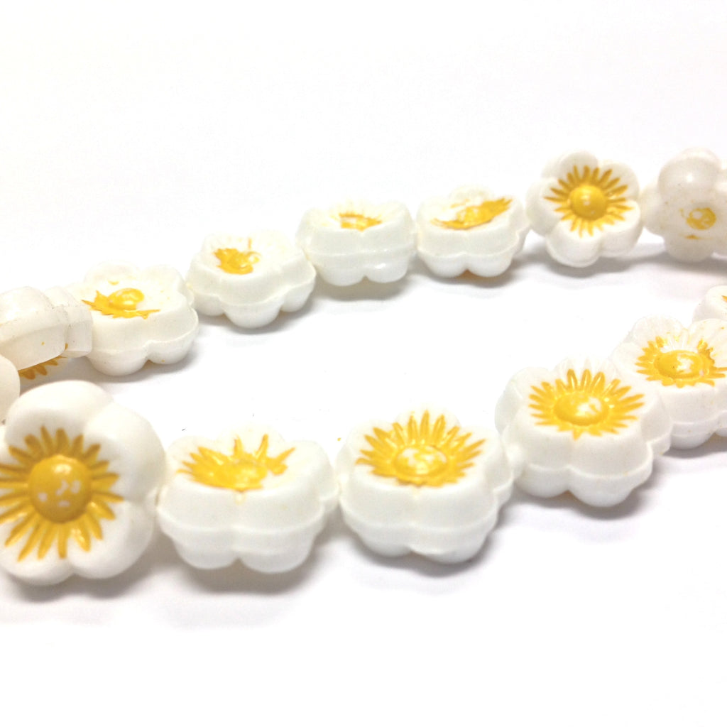 14MM White w/Yellow Flower Disc Bead 15Pcs/String (15 pieces)