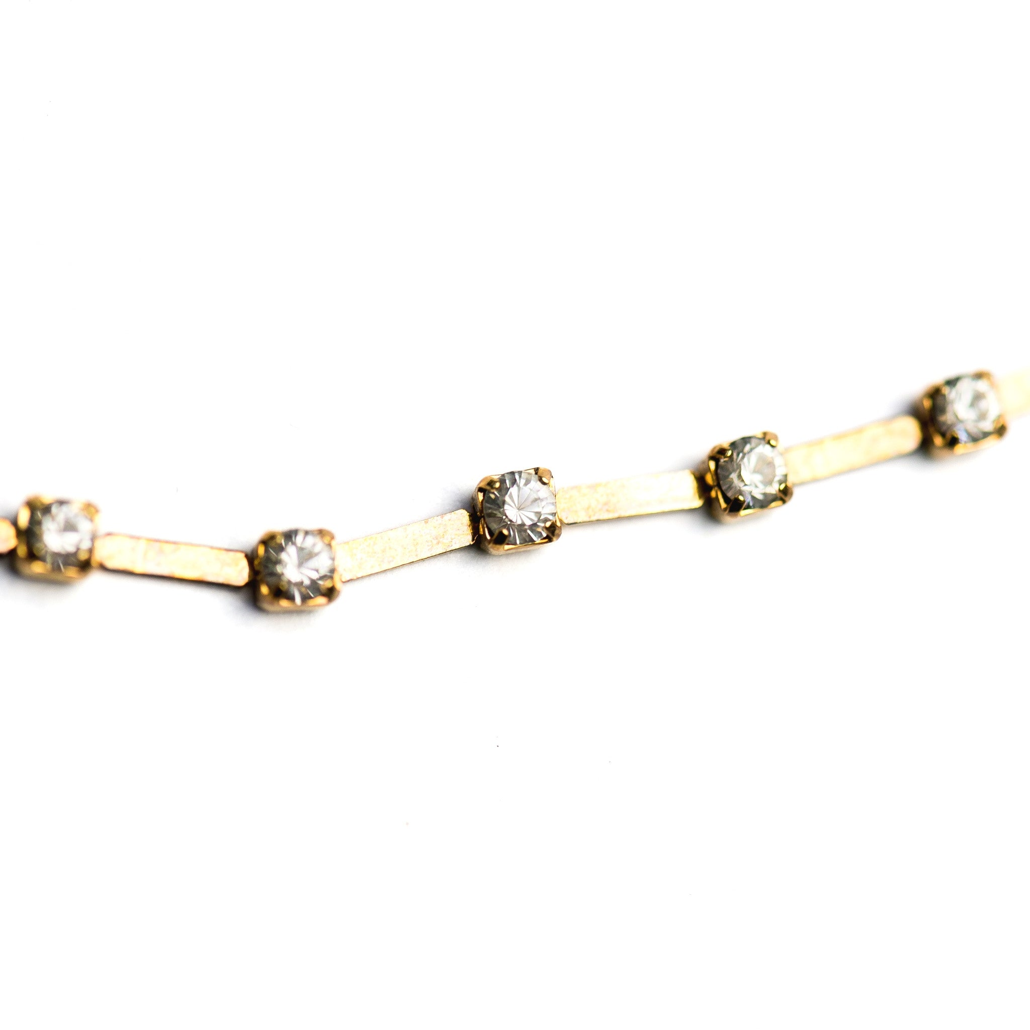 R.Stone Bar Chain Crystal/Gold (1 foot)