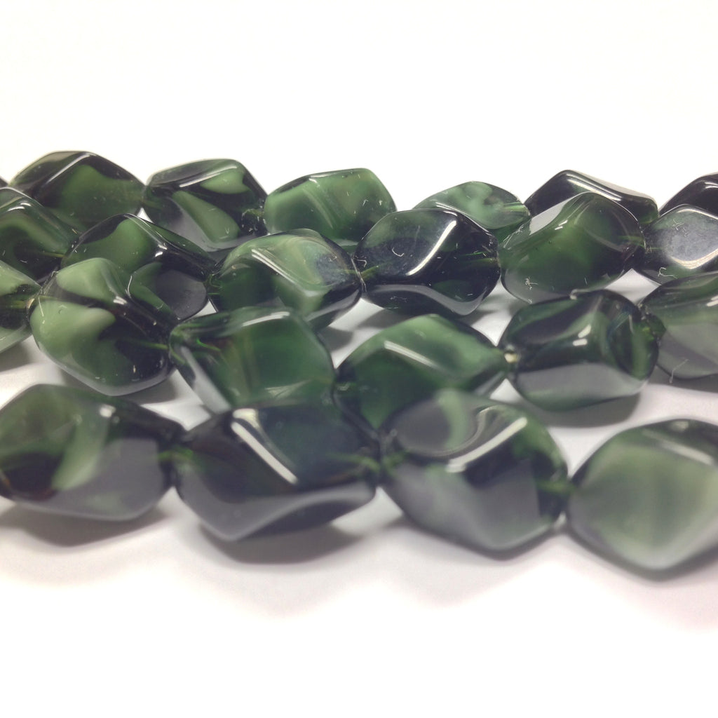 11X10MM Green Faceted Diamond Shape Bead (36 pieces)