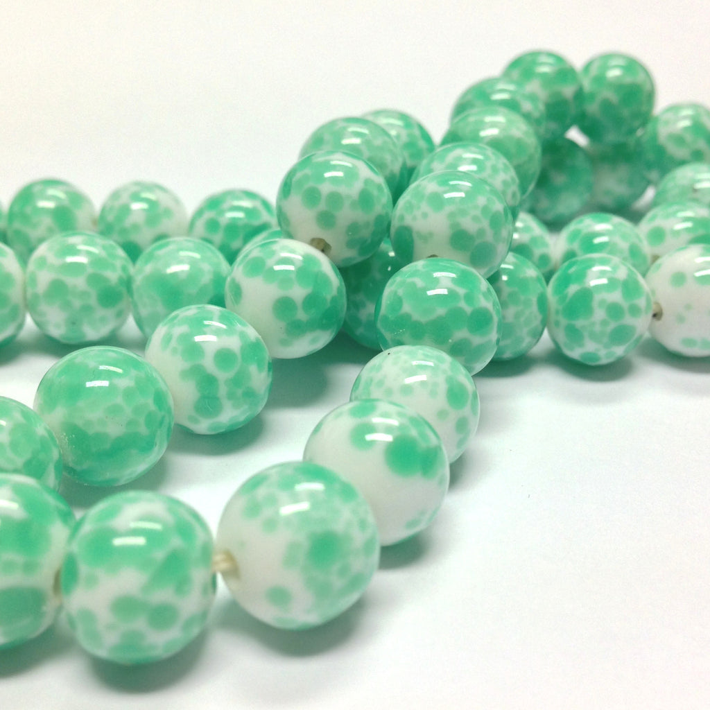 8MM White With Green Spots Glass Bead (72 pieces)