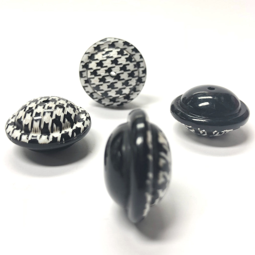 "22MM Black And White ""Houndstooth"" Bead (12 pieces)"