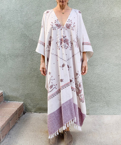 Pacha Mama | White And Purple Poncho