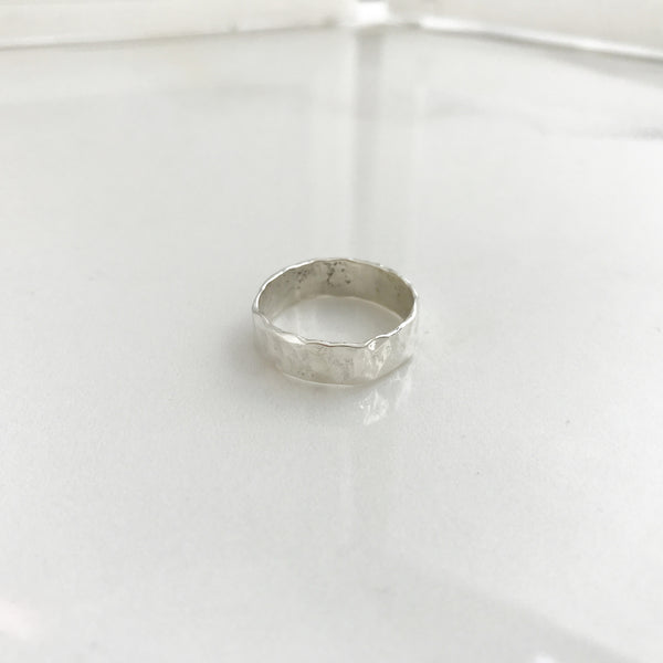 Hammered Ring -/#CHR2